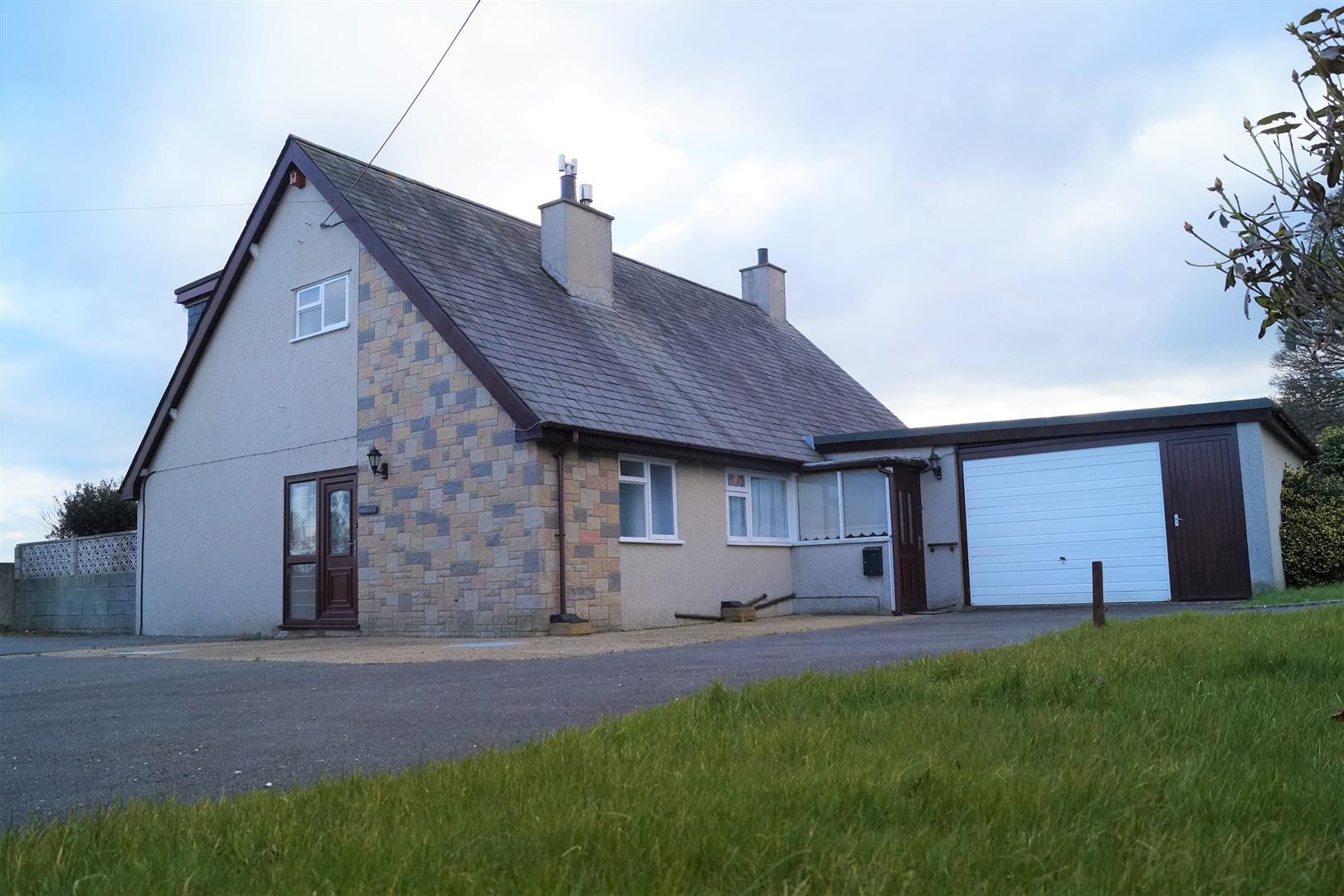 Beach Road, Llanbedrog, Pwllheli - £249,000